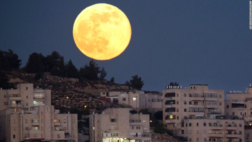 SUPERMOON Of The Century: Largest Moon Since Israel's Rebirth Rises Next Week